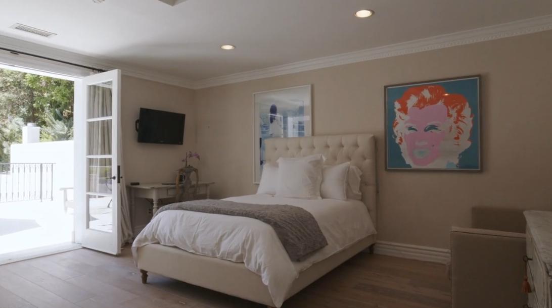 25 Photos vs. 721 Dolo Way, Los Angeles Interior Design Luxury Mansion Tour