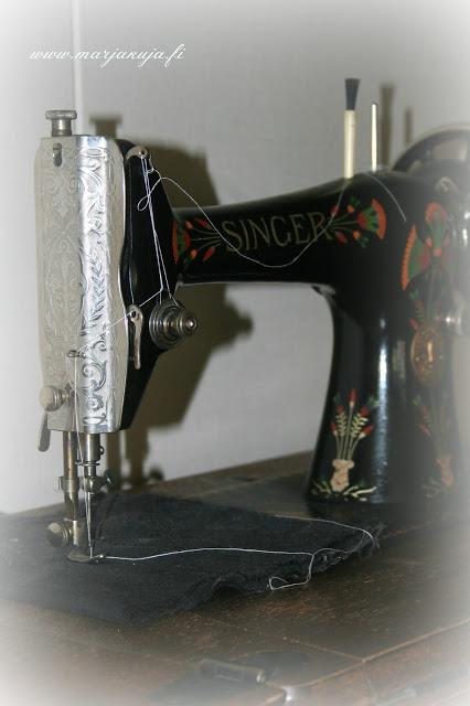kaunis vanha ompelukone