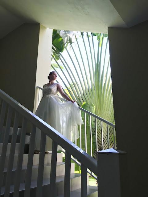 piękne zdjęcie ślubne, egzotyka, suknia ślubna, panna młoda