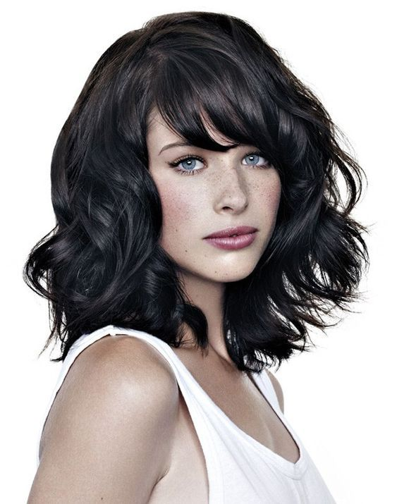 Medium Hair - Wavy Haircut Image 2