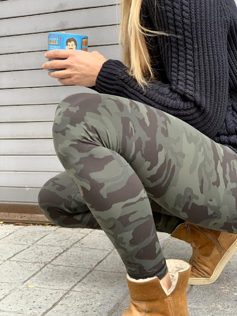 lululemon gator-incognito-camo-wunder bring-the-cozy-turtleneck
