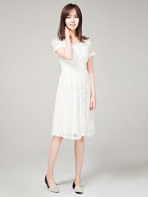 Ren chun hoặc ren được dệt mỏng cho các loại váy cần độ mềm rủ hoặc xếp nếp