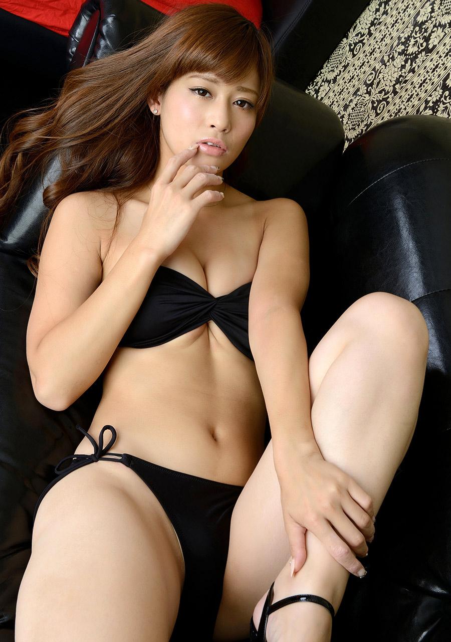 ami kawase hot bikini pics 02