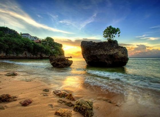pantai_padang_adang