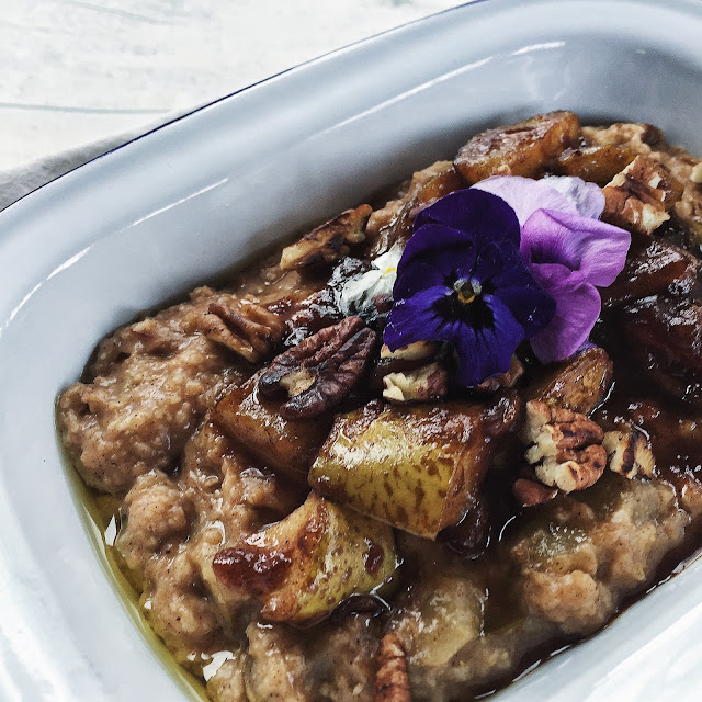 The Small Town Girl Northern Ireland Blog Caramelised Pear Pecan Date Porridge Recipe