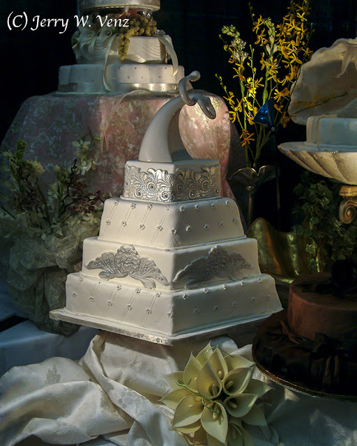 WEDDING CAKE PHOTOGRAPHY TIPS FROM A MASTER - PART 1 - UNMIXED LIGHTING
