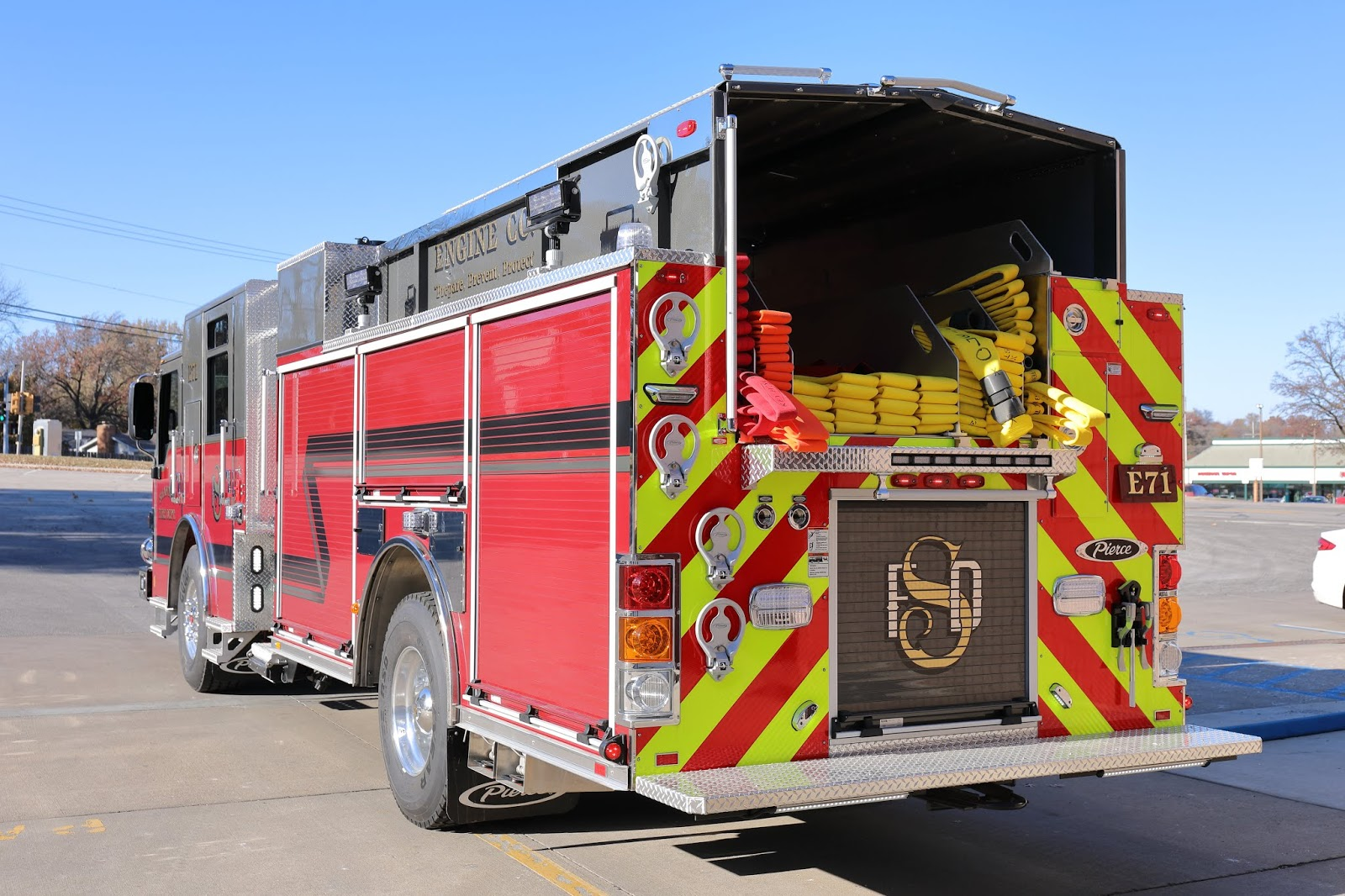 Operation100news: Shawnee Fire Department debuts new fire truck to