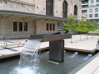 tipping fountain