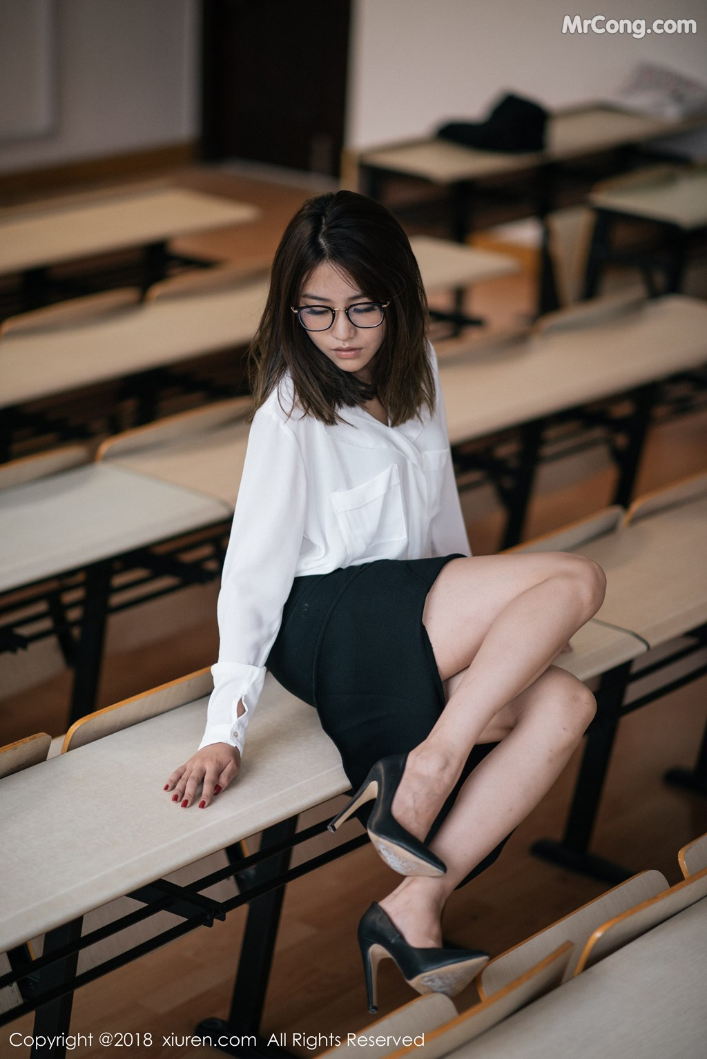 Image XIUREN-No.1267-Sabrina-Xu-Nuo-MrCong.com-002 in post XIUREN No.1267: Người mẫu Sabrina (许诺) (45 ảnh)