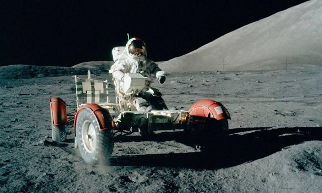 Segundo a NASA, essas fotos foram tiradas na Lua