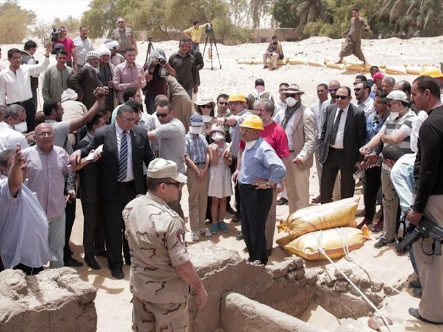 """وزير الاثار لموقع """"كل حصري"""" : اكتشاف الكنز الفرعونى فى محافظة المنيا"""