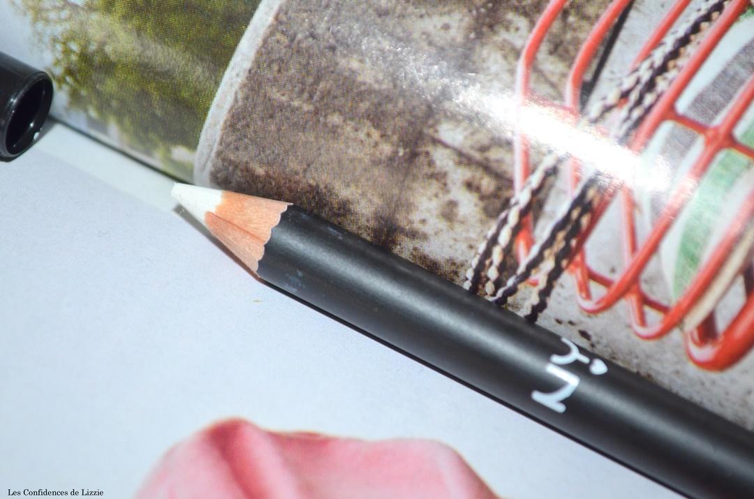 maquillage - bon plan maquillage - crayon pour les yeux - maquillage pas cher - base pour les levres - base pour les paupieres pas cheres
