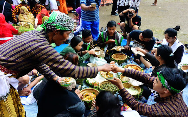Mengikuti Ritual Ruwat Bumi di Gunung Tidar Magelang Pada Festival Tidar 2016