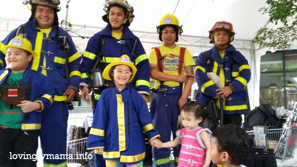 Kidsville - activities for kids - homeschooling - homeschooling in Bacolod - Bacolod City - Bacolod mommy blogger-  talisay city - Negros Occidental - The District North Point - teaching kids - field trip - educational fair - sisters - daughters - girls - Chamber Volunteer Fire Brigade - firemen for a day