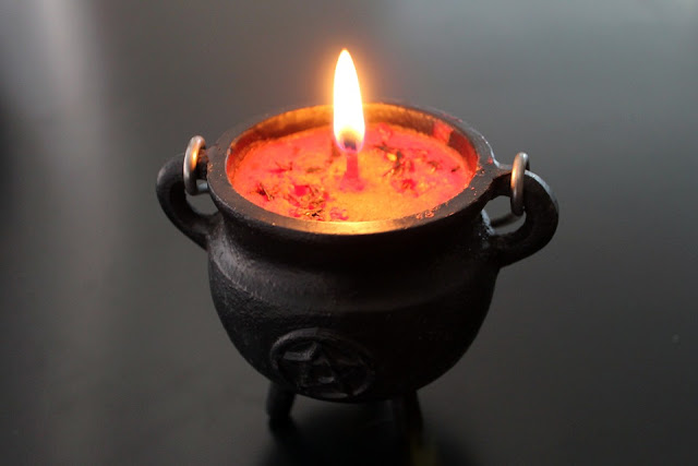 Draw money, draw prosperity candle magick