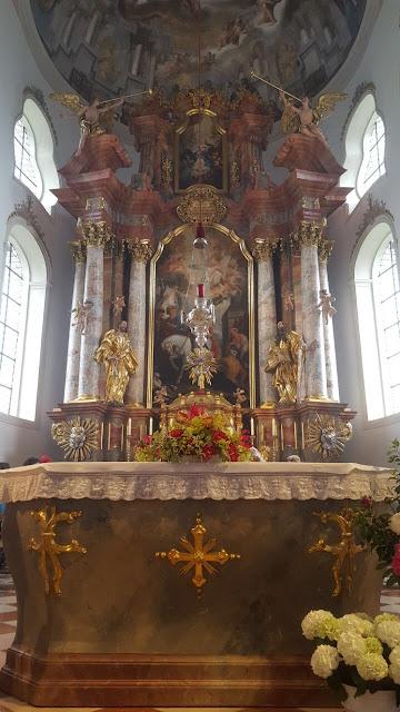 Katholisch heiraten in Garmisch, Pfarrkirche St. Martin Garmisch, exotisch heiraten, Malediven Karbiik-Hochzeit im Seehaus, Riessersee Hotel Garmisch-Partenkirchen Bayern, Hochzeitsplanerin Uschi Glas