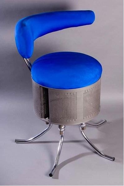 Kursi stylish hasil daur ulang drum mesin cuci.