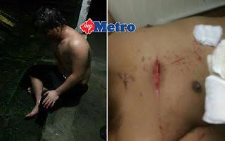 Rakan Mengamuk Libas Parang, Mangsa Yang Cedera Menunggu Untuk Dibawa Ke Hospital.