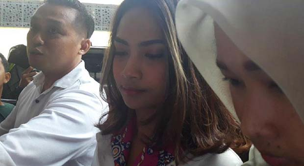 Wajib Lapor, Vanessa Angel Kembali Datangi Polda Jatim