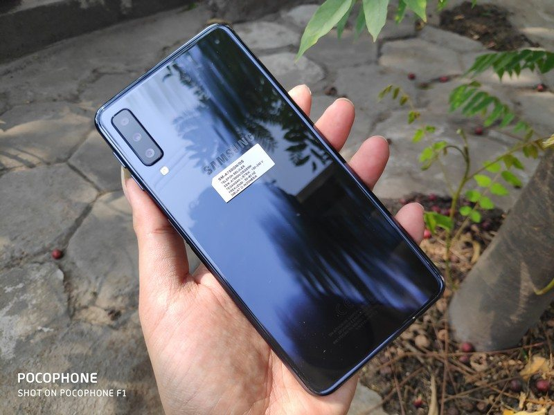 Review Samsung Galaxy A7 2018: Mewah dengan Triple Camera!