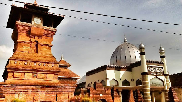 foto masjid menara kudus jateng