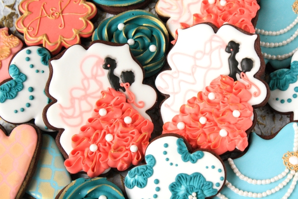 Make wedding dress sugar cookies with ruffles!