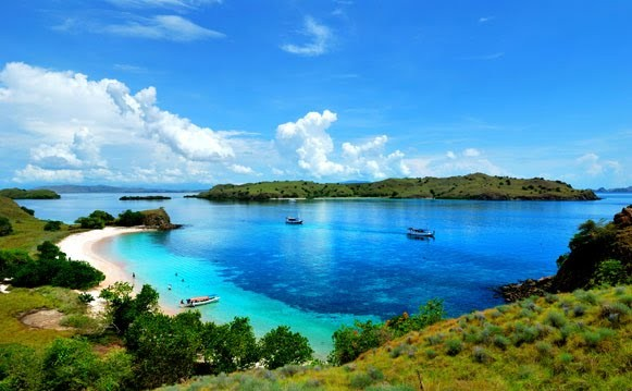 This fascinating together with beautiful isle is finally emerging every bit a unique finish of its o Beaches in Bali; Privileged Komodo in Flores