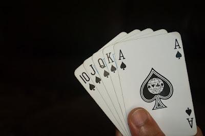 Trik Jitu Menang Judi Poker
