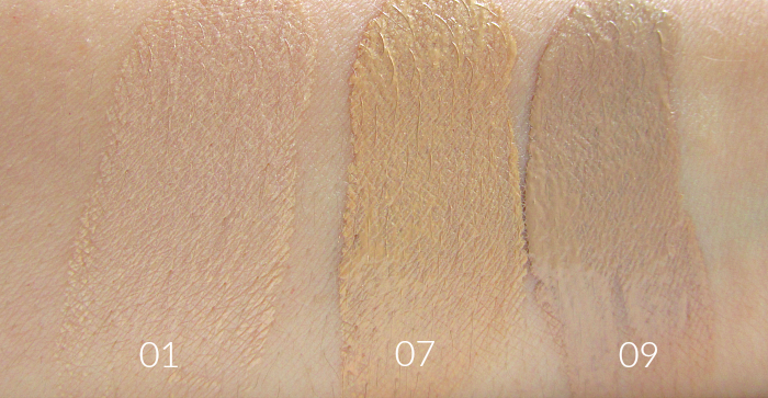 Swatches L´Oréal - Nude Magique Cushion Foundation01 Porcelaine, 07 Golden Beige, 09 Beige