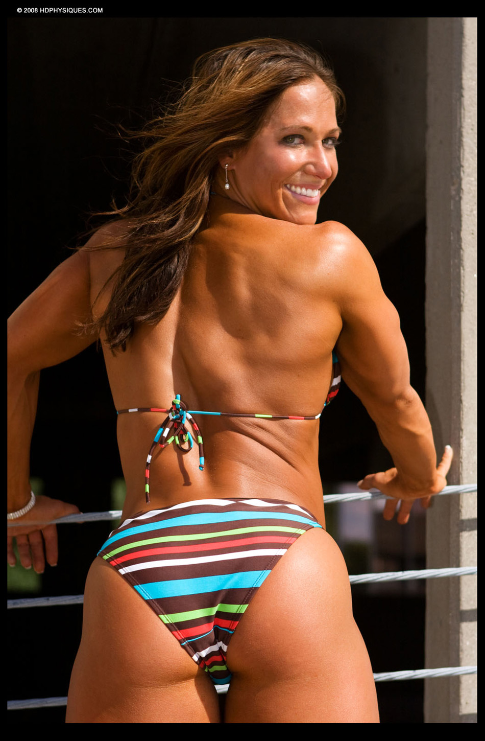 Female Bodybuilder Sarah Hayes - Photo by HD Physiques