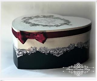 Pudełko na prezenty ślubne serce : róże , reliefy i bordowa kokarda.Decoupage.