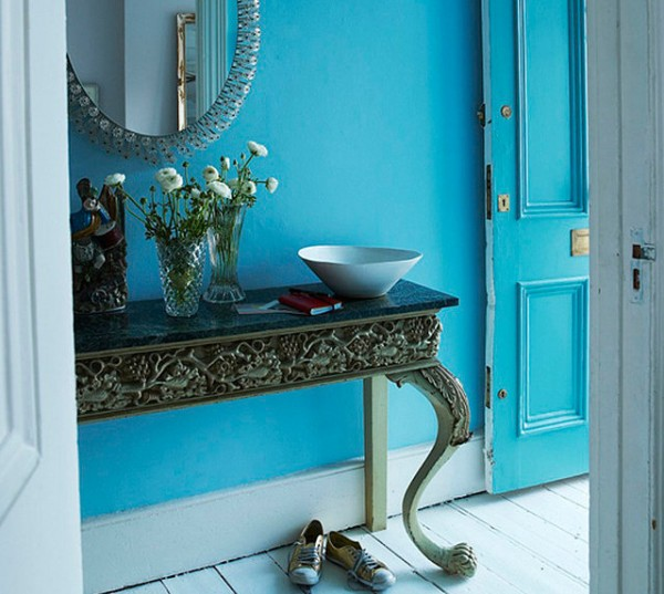 Blue color on interior and exterior walls 1