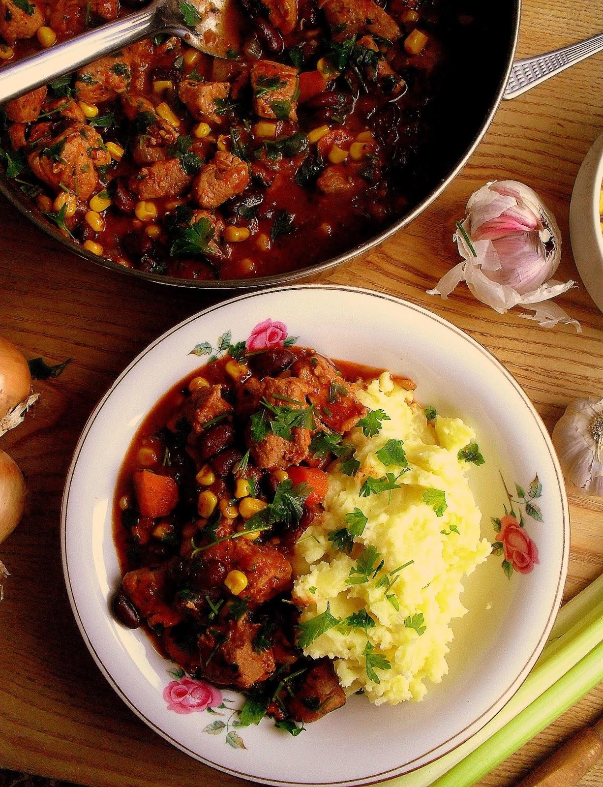 Lekcje W Kuchni Gulasz Wieprzowy Z Fasola I Kukurydza Pork Stew