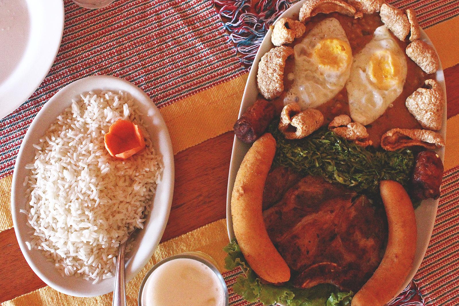 mesa restaurante comida caseira