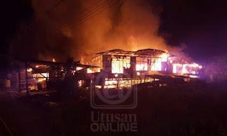 Rumah Panjang Terbakar 15 Hilang