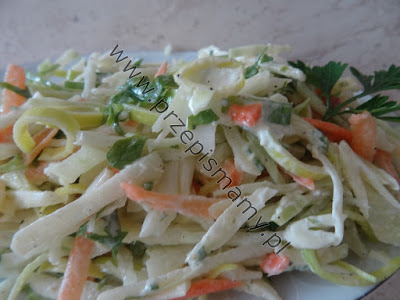 Surówka z białej kapusty z majonezem