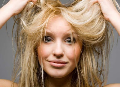 Récupérez l'éclat des cheveux après l'été avec ces astuces