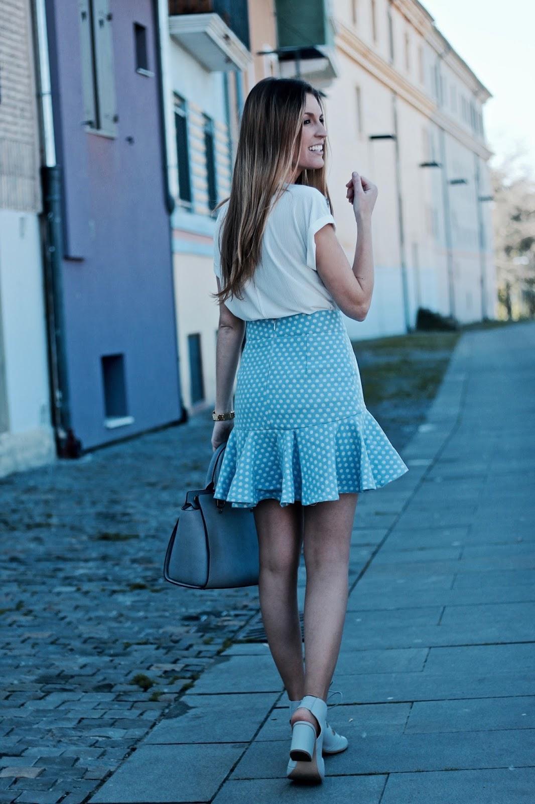falda con volante