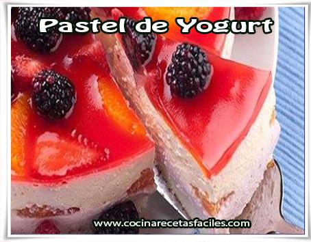 Receta de pastel de Yogurt✅La combinación de la galleta como base, el yogur, la mermelada y moras en su superficie hace que tenga un sabor inigualable.