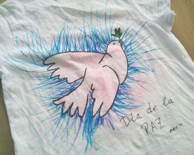 Camiseta DIY día de la paz - manualiades con niños