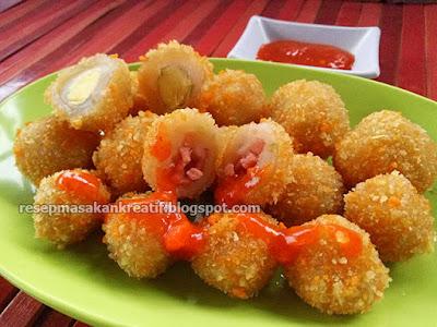 Resep cilok goreng crispy merupakan variasi cara menciptakan cilok isi yang kemudian digoreng  Resep Cilok Goreng Crispy Isi Telur Puyuh dan Sosis