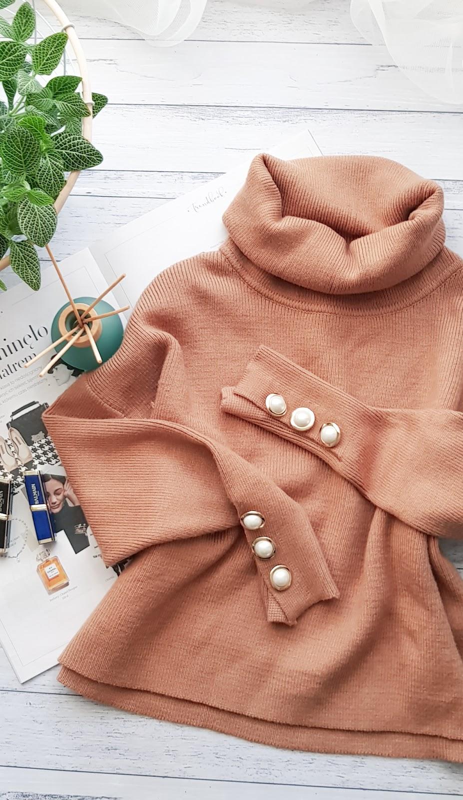 Najmodniejszy sweter z golfem na zimę 2018 Zara