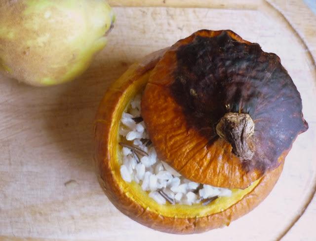 https://cuillereetsaladier.blogspot.com/2015/11/potimarron-farci-aux-coings-et-au-riz.html