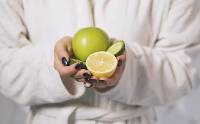 6 λόγοι για να στίβεις λεμόνια το πρωί
