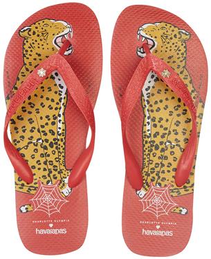 havaianas top e Charlotte Olympia Bruce desenho leopardo