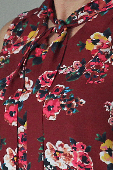 Simplicity 8216 in Style Maker Fabrics  - front tie