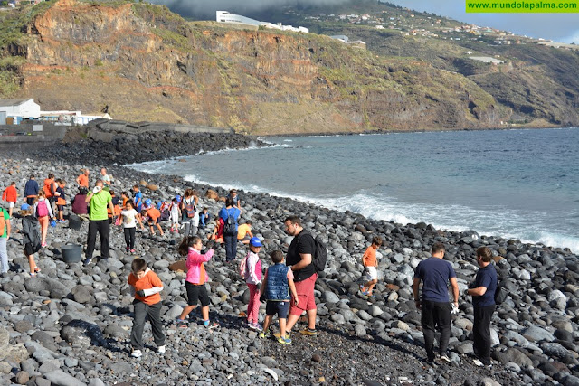 Más de un centenar de escolares participan en una nueva jornada de concienciación medioambiental del proyecto 'Cuida tu mar'