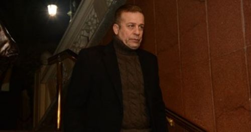 عـاجل : نكشف عن السبب الذى دفع الفنان شريف منير الى تسليم نجلتة إلى قسم الشرطة ووضعها فى السجن !!