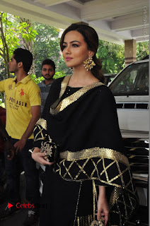 Bollywood Actress Sana Khan Launches Aakrithi Exibition  0147.JPG
