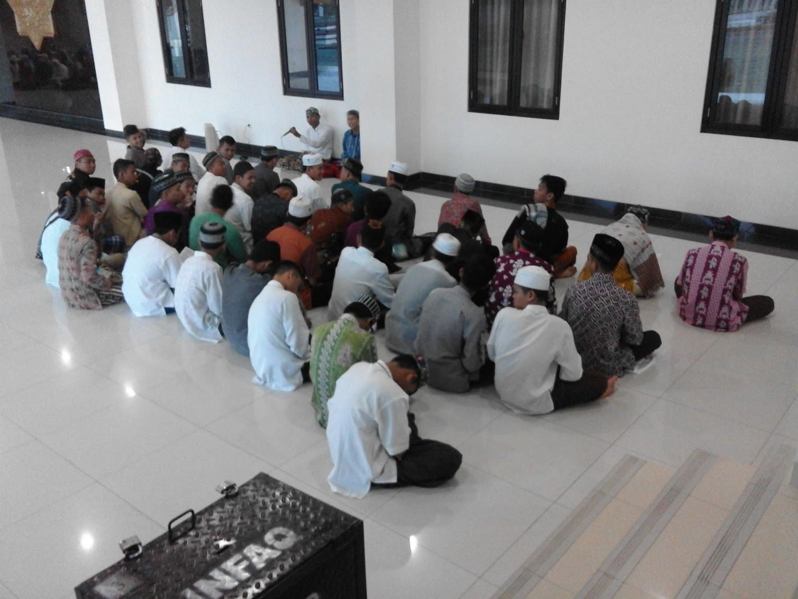Al Ma Tsurat Di Masjid Raya Darussalam Palangka Raya